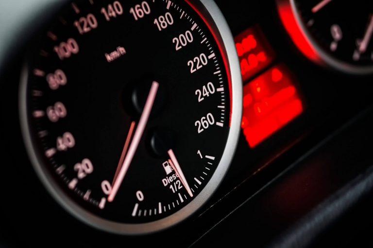 Luzes do painel do carro: quando indicam algum problema?
